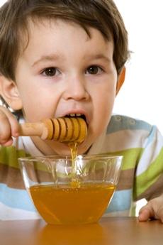 Garçon, manger, miel