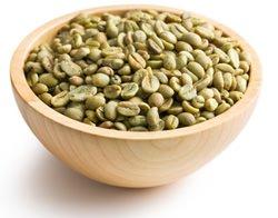 Grains de café vert dans un bol