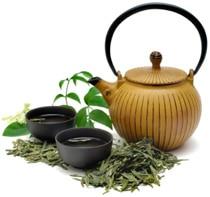 Thé vert avec pot et tasses
