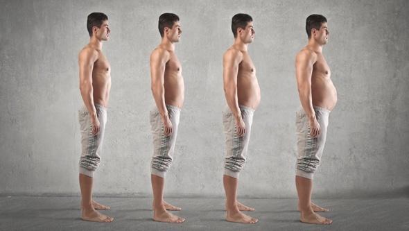 Homme avec différentes quantités de graisse corporelle