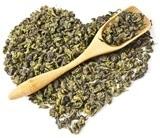 Feuilles de thé Oolong en forme de coeur et cuillère en bois