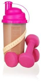 Shaker protéiné rose et haltères