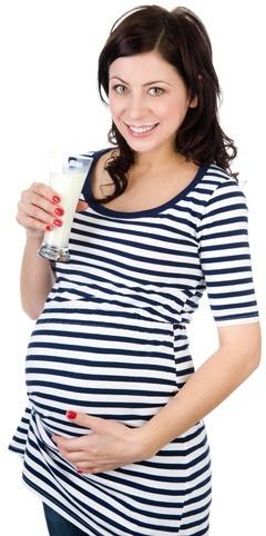 Femme enceinte, boire, lait