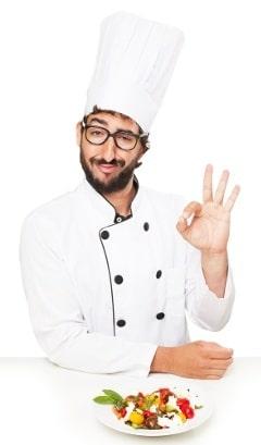 Chef stupide approuvant les légumes
