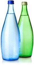 Deux bouteilles d'eau gazeuse