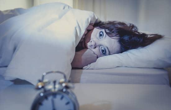 Femme qui ne peut pas dormir